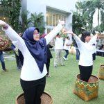 Team Building di Bogor: Kompak Menari Panarat, Produktif Saat Rapat